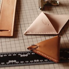 kumosha leather coin case triangle