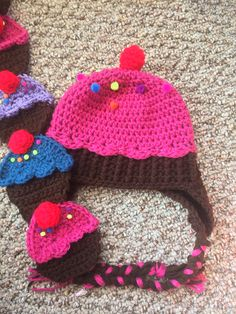 Cupcake crochet hat with matching scarf. Hat pattern by Repeat Crafter Me. Scarf pattern by Twinkie Chan.
