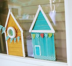 DIY: Small Swedish houses made from ice cream sticks for toddlers room ideas stick crafts crafts Popsicle Stick Crafts, Popsicle Sticks, Craft Stick Crafts, Diy And Crafts, Resin Crafts, Diy For Kids, Crafts For Kids, Stick Family, Family Kids