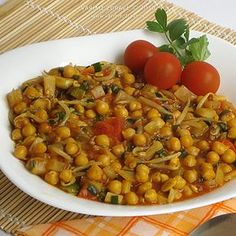 Vaříme zdravě » Vařená cizrna se zeleninou Czech Recipes, Ethnic Recipes, Chana Masala, Quinoa, Vegan Recipes, Dinner Recipes, Food And Drink, Health Fitness, Veggies
