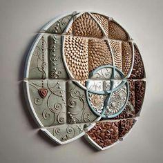 Chris Gryder.  Ceramica. Trovata su FB.