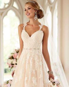 """""""Love of beauty is taste. The creation of beauty is art. Stunning bride _______________________________ #weddingbuzzxo #wedding #weddingday #weddingphotographer #weddingdress #weddinginspiration #bride #weddingplanning #weddingseason #love #weddingown by weddingbuzzxo"""