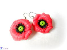 Red poppies (20 LEI la LoveMade.breslo.ro) Red Poppies, Handmade Flowers, My Images, Random Stuff, Projects To Try, Places To Visit, Cook, Awesome, Funny