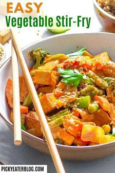 Stir Fry Recipes, Tofu Recipes, Easy Healthy Recipes, Vegetarian Recipes, Meal Recipes, Asian Stir Fry, Tofu Stir Fry, Easy Vegetable Stir Fry, Vegetable Dishes