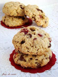 Овсяное печенье с вишней и шоколадом