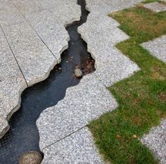 20 Wonderful Small Garden Fountain Ideas