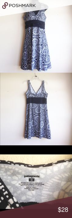 Patagonia Sun Dress This cute summer sun dress has a fun black and white print. It is 95% organic cotton and 5% spandex. There is a strip of black rousing just below the bustling that makes for a flattering fit. It has only been worn a few times. Patagonia Dresses Mini