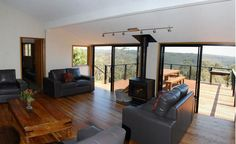 Destination Blue Mountains Australia. Ideal place to enjoy scenic holidays http://www.OzeHols.com.a... #Relax #vacation #Scenery