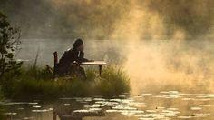 おはようございます。 今日3/4はヤン・ガルバレクの誕生日。 今朝の一曲は「カントリー」、キース・ジャレットのピアノとヤン・ガルバレクのサックス。晴れ渡った青空に吸い込まれていくような気持ちの良い一曲です。 この動画に使われている映像はLeszek ParadowskiのPhotographyということなのですが、これは写真なのでしょうか。空気や光の質感など非現実的な雰囲気も漂い、写実絵画のように感じてしまうほどです。