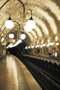 Cité Metro Station, Paris IV
