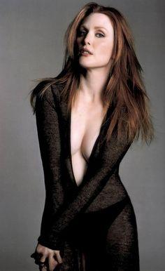 Beautiful Women Over 40 - Julianne Moore