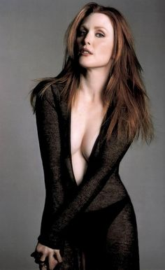 Beautiful Women Over 40 - Julianne Moore