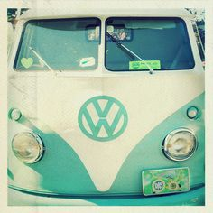 belle-morte: nicholas and I are on a constant hunt for a turquoise vintage volkswagen bus. i'd love an old beetle as well, but we really want the bus. Volkswagen Transporter, Vw T1, Volkswagen Logo, Volkswagen Minibus, Volkswagon Van, My Dream Car, Dream Cars, Blue Canvas Art, My Favorite Color