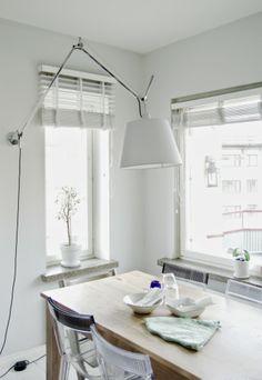 Tarja's Snowland, artemide tolomeo, Tarja's Snowland, scandinavian kitchen, modern kitchen, grey kitchen