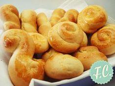 Πασχαλινά Κουλουράκια Greek Sweets, Greek Desserts, Greek Recipes, Greek Cookies, Coconut Flour Cookies, Koulourakia Recipe, Cypriot Food, Cookie Recipes, Dessert Recipes