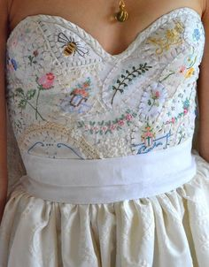 Details 2019 clothing clothing labels clothing patches clothing wholesale flower clothing fly shirts shirts for ladies shirts sunshine coast style clothing tee shirts clothing Sommer Garten Hochzeits Kleider Pretty Dresses, Beautiful Dresses, Look Boho, Embroidery Dress, Wedding Embroidery, Embroidery Fashion, Vintage Embroidery, Boho Dress, Dress To Impress