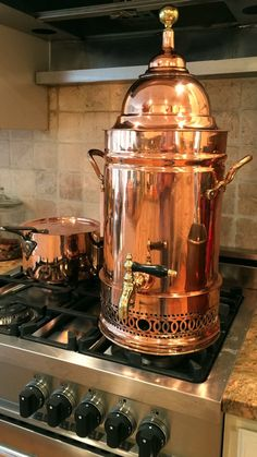 Antique English Century Copper Coffee & Tea Urn (only urn in image is for sale) Copper Wall, Copper Pots, Copper Kitchen, Kitchen Ware, French Kitchen, Rustic Kitchen, Coffee Brewer, Coffee Cups, Kitchen Items