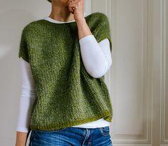 Snood Knitting Pattern, Knit Vest Pattern, Knitting Yarn, Hand Knitting, Free Knitting Patterns For Women, Knit Fashion, Couture, Sweater Design, Knit Crochet