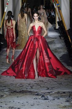 Zuhair Murad | Haute Couture - Spring 2018 | Look 33