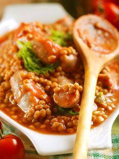 Salsicce e lenticchie, ovvero un grande classico della tradizione culinaria del Belpaese. Rustico e genuino anche se calorico e consistente!