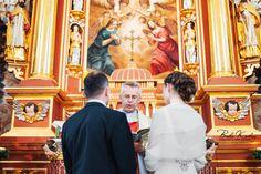 Ceremonia ślubna, przysięga, zdjęcia ślubne.  fotograf www.BialeKadry.pl