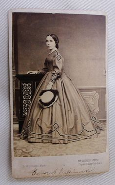 CDV PHOTO LOVELY YOUNG WOMAN ESTHER WILLIAMS PRETTY HOOP DRESS & HAT LONDON UK | eBay