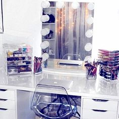 WEBSTA @ bellaposhorganizers - 💄Loving this set up from 💕💕 our… Makeup Vanity Storage, Makeup Organization, Makeup Vanities, Makeup Set, Beauty Makeup, Vanity Room, Vanity Set, Vanity Ideas, Acrylic Chair
