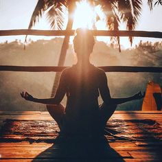 Bali är det perfekta stället för inre styrka #yoga och #meditation. Vänligheten och öppenheten är vardag för den lokala befolkningen och deras leenden och gästvänlighet smittar av sig. Tyst retreat/Yogaretreat på #Bali. 3-12 december 2018. Boka: 019-333 000  Program och pris @ https://ift.tt/2xBU0Gb  #yogaresa #bali #baliresa #contourairse #pin #upplevelseresor #litemeravallt