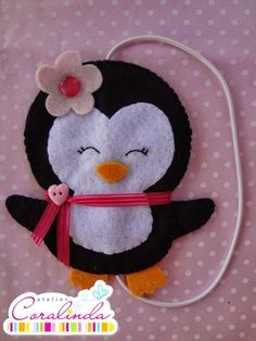 Felt Diy, Felt Crafts, Diy And Crafts, Crafts For Kids, Arts And Crafts, Sewing Crafts, Sewing Projects, Felt Penguin, Felt Bookmark