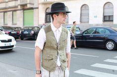Street looks à la Fashion Week homme printemps-été 2014 de Milan, Jour2 http://www.vogue.fr/vogue-hommes/mode/diaporama/street-looks-a-la-fashion-week-homme-printemps-ete-2014-de-milan-jour-2/14034/image/781413#!10