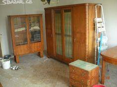 Starožitný nábytek - cena za 3 kusy skříní. - obrázek číslo 4