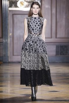 Sophie Theallet Fall 2016 Ready-to-Wear Collection Photos - Vogue White Fashion, Urban Fashion, Runway Fashion, Fashion Show, Fashion Design, Fashion Trends, Couture Dresses, Fashion Dresses, Sophie Theallet