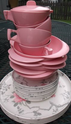 Vintage 25 piece set of Meldale genuine Melamine/Melmac Dinnerware Pink and Gray