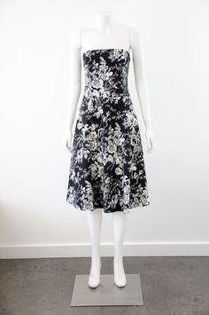 Very Very  Women s Black & White Floral Print Sleeveless Dress {Size 10}
