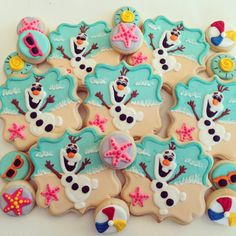 Frozen Olaf at the beach decorated cookies by HayleyCakes and cookies in Austin Texas. Www.hayleycakesandcookies.com