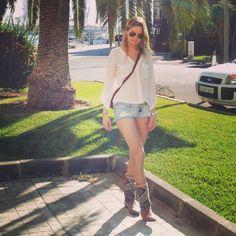 kiboots Jeans Style, White Shorts, Women, Fashion, Moda, Fashion Styles, Fashion Illustrations, Woman