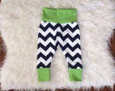 CHEVRON BABY LEGGINGS; seahawks leggings, baby seahawks outfit, green and blue leggings, chevron leggings