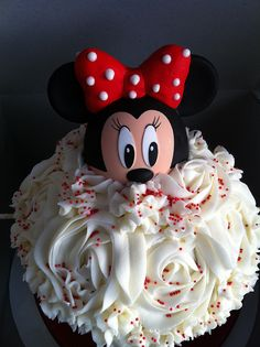 Minnie Mouse Smash Cake ~ cute!