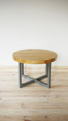 Industrial coffee table Cherry Round by Projekt Drewno
