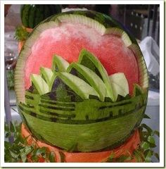 The Funniest Vegetable Art Pictures You've Ever Se - Food Carving Ideas Fruit Sculptures, Food Sculpture, Veggie Art, Fruit And Vegetable Carving, Veggie Food, Watermelon Art, Watermelon Carving, Carved Watermelon, Watermelon Designs