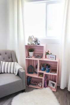 Use wooden crates and spray paint in a unique way to make some beautiful home decor for your child's bedroom or nursery! Love this pick colour for a girl's room! Pretty and pink :) diy bedroom decor DIY Crate Bookshelf Crate Bookshelf, Cool Bookshelves, Bookshelf Ideas, Book Shelves, Diy Bookshelf Design, Wood Crate Shelves, Pallet Shelves Diy, Bedroom Bookshelf, Storage Crates