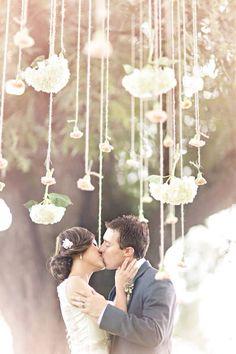 Loveeeee the hanging flowers
