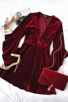 Take a twirl in the Wrapped in Luxe Burgundy Velvet Bell Sleeve Skater Dress! Soft and stretchy velvet skater dress with bell sleeves. Glamouröse Outfits, Night Outfits, Disney Outfits, School Outfits, Bodycon Dress With Sleeves, Dresses With Sleeves, Velvet Skater Dress, Skater Dresses, Velvet Dresses