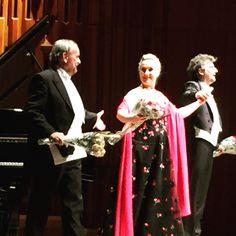 Ovations for Jonas Kaufmann, Diana Damrau and Helmut Deutsch after a brilliantly sung and played recital of Hugo Wolf's Italienisches Liederbuch at The Barbican on Friday  #jonaskaufmann #dianadamrau #helmutdeutsch #hugowolf #lied #lieder #recital #barbican