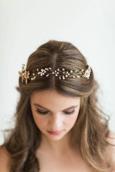 Wedding Hair Vine, Bridal Headpiece, Bridal Hair Accessory, Pearl Crystal Hair Vine, Bridal Headband Hochzeits-Haar-Rebe-Brauthauptstück-Braut von PowderBlueBijoux This image. Bride Hairstyles, Headband Hairstyles, Down Hairstyles, Bridesmaid Hairstyles, Easy Hairstyles, Party Hairstyle, Hairstyle Wedding, Romantic Hairstyles, Goddess Hairstyles