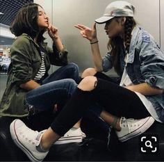 Best Friends Shoot, Best Friend Poses, Best Friend Pictures, Cute Friends, Bff Pictures, Friend Photos, Family Pictures, Best Friend Photography, Girl Photography Poses