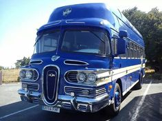 Uh, is that an Edsel bus? Or perhaps designed by the same guy. Bus Camper, Rv Bus, Cool Trucks, Big Trucks, Cool Cars, Classic Trucks, Classic Cars, Onibus Marcopolo, Retro Rv