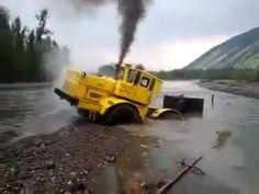 C'est russe c'est normal Un tracteur russe indestructible - YouTube