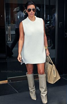 Casual : sweater dress and kneehigh boots