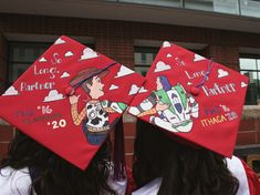 Struggling to figure out how to decorate a graduation cap? Get some inspiration from one of these clever DIY graduation cap ideas in These high school and college graduation cap decorations won't disappoint! Disney Graduation Cap, Funny Graduation Caps, Graduation Cap Toppers, Graduation Cap Designs, Graduation Cap Decoration, Graduation Diy, Funny Grad Cap Ideas, Graduation Parties, Graduation Pictures